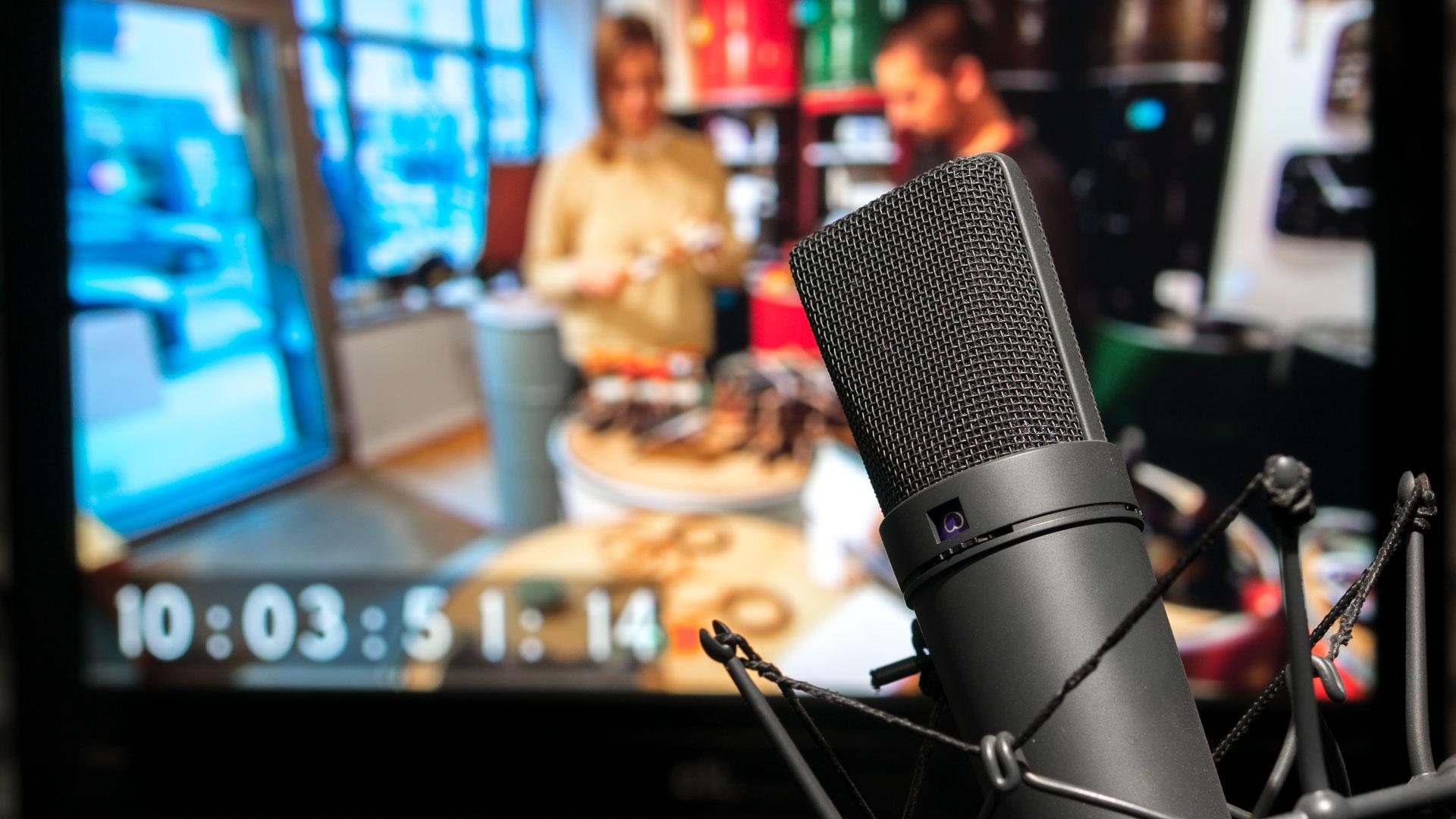 Sprecherkabine mit Mikrofon